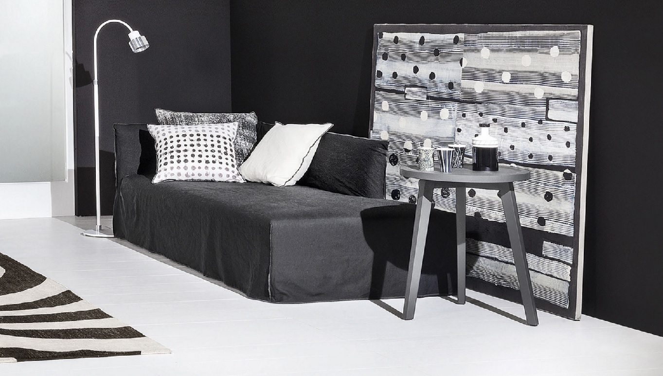 achetez un canap ghost 20 gervasoni chez vestibule paris. Black Bedroom Furniture Sets. Home Design Ideas