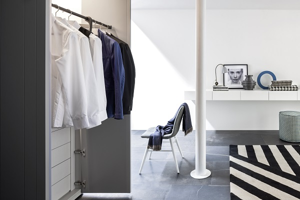 armoire de rangement stripe novamobili vestibule paris2 vestibule paris. Black Bedroom Furniture Sets. Home Design Ideas