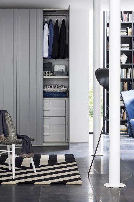 armoire de rangement stripe novamobili vestibule paris4 vestibule paris. Black Bedroom Furniture Sets. Home Design Ideas
